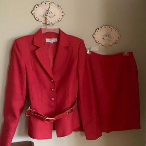 Tahari belted 2-piece suit. Coral color. Size 4